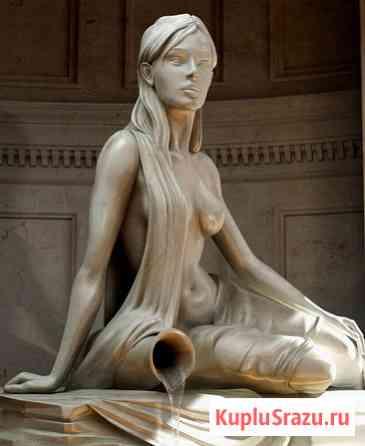 Скульптура девушки с кувшином Москва