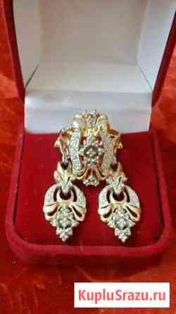 Золотой комплект с бриллиантами подвески и кольцо Москва