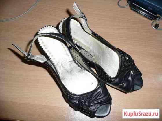 Обувь 36 размер обмен на любые кроссовки Еманжелинск