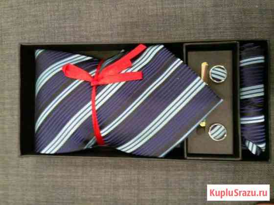 Набор галстук, запонки, зажим и платок Киров