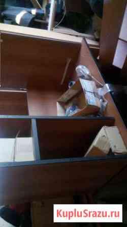 Столы компьютерный и письменный Нижневартовск