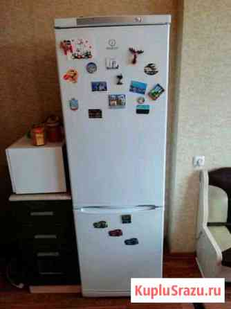 Холодильник Indesit Старая