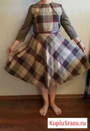 Платье фирмы sinar размера 50-52 Ханты-Мансийск