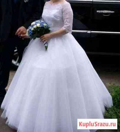 Свадебное платье р.40-42 Волхов