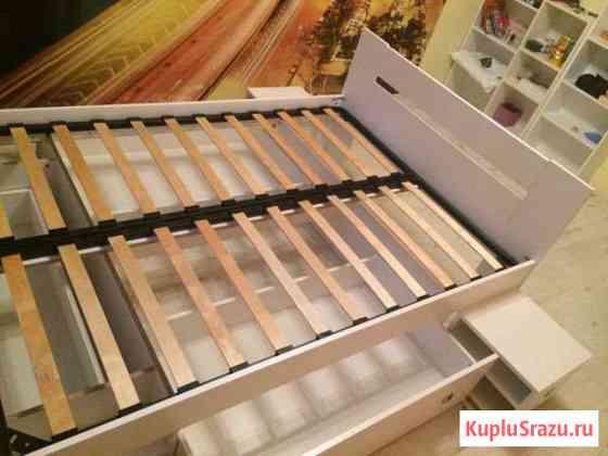 Кровать (140 см на 200 см), без матраца Железнодорожный