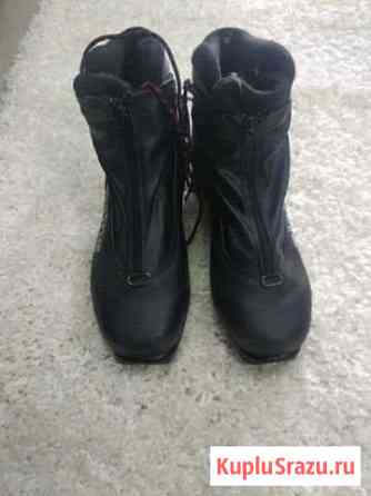 Лыжные ботинки. 38 и 40 Домодедово