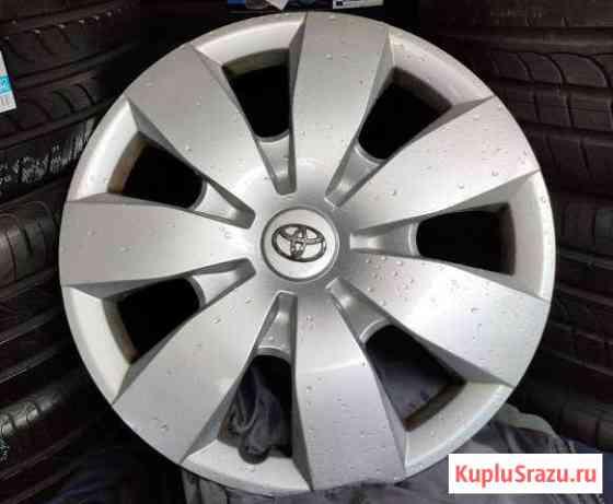 Оригинальны колпак Toyota Camry R16 1шт Екатеринбург