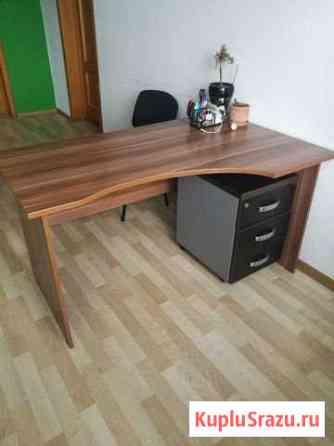 Продаю офисную мебель Сочи