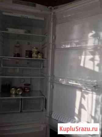Холодильник Аристон Софрино