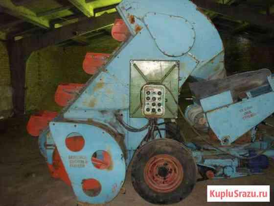 Ковшовый шнековый погрузчик Р6-кшп-6 Мокшан