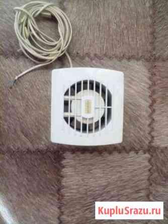 Продам вытяжной вентилятор Томск