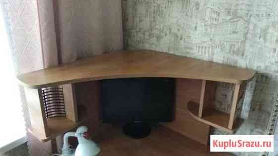Компьютерный угловой стол Омск