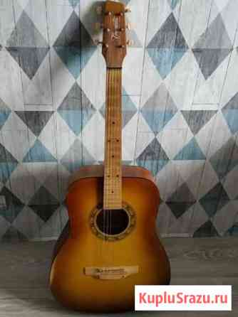 Гитара с прочными струнами Лобня