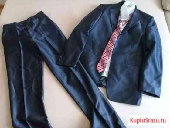 Продаю костюм свадебный, счастливый) Улан-Удэ