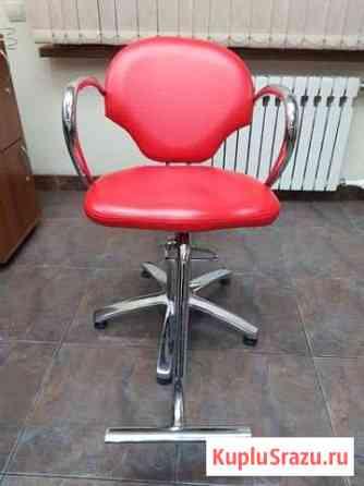 Продам три парикмахерских кресла Петропавловск-Камчатский
