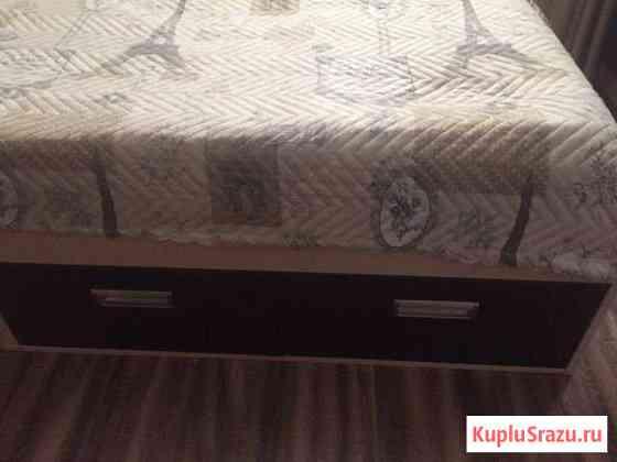 Кровать и стол Новая Ладога