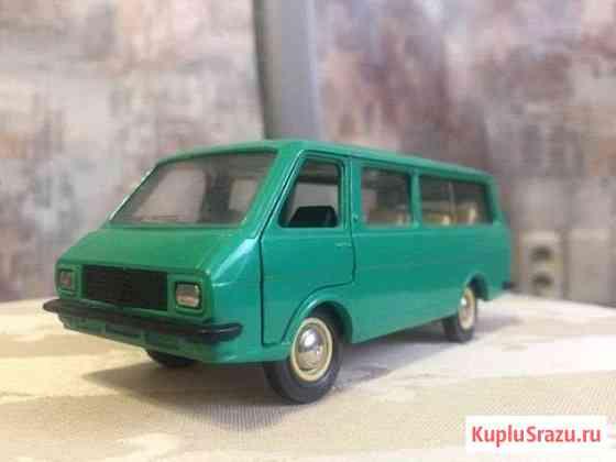 Модель 1:43 СССР Раф-2203 N-A18 без ми Магнитогорск