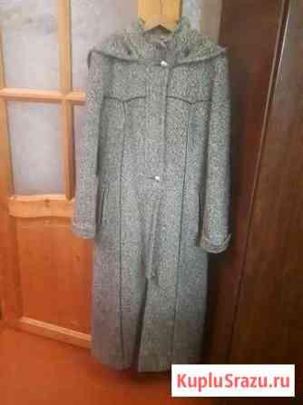 Пальто серое, драповое, удлиннёное. Возможен торг Майкоп