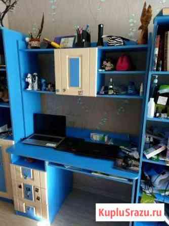 Компьютерный стол, и большой шкаф в комплекте Волгоград
