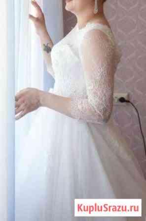 Красивое платье со шлейфом Элиста