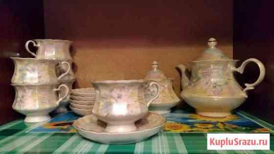 Сервиз чайный, блюда, селедочница, тарелки, чашки Инта