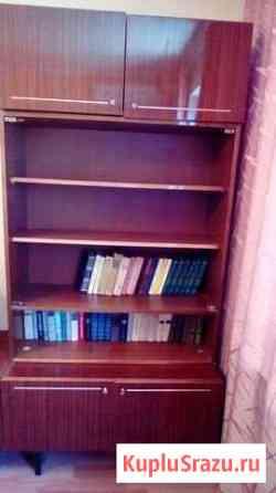 Книжный шкаф с антресолями Алушта