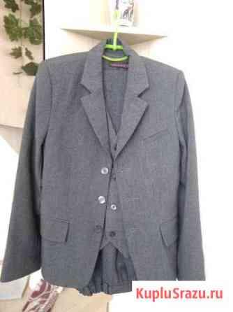Костюм тройка (брюки, жилет, пиджак) полушерсть.Бу Севастополь