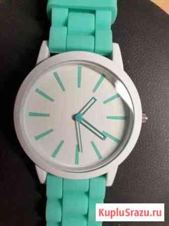 Часы Geneva Курган