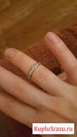Серебряное кольцо,фианиты Рославль