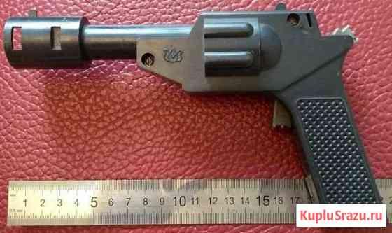 Игрушка пистолет пластик СССР 1980-ые Псков