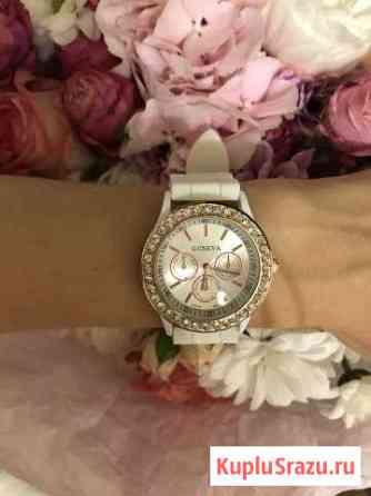 Новые часы с силиконовым ремешком Самара