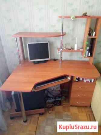 Продам компьютерный стол Ижевск