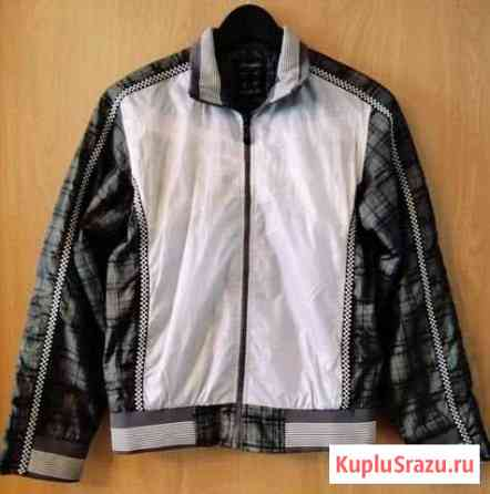 Детская куртка на молнии на рост 143-154см Сертолово