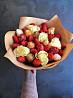 Клубника в шоколаде, букет из клубники и цветов, фруктовые букеты