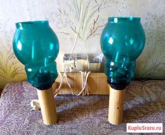 Настенный светильник с двумя зелеными плафонами Волгоград