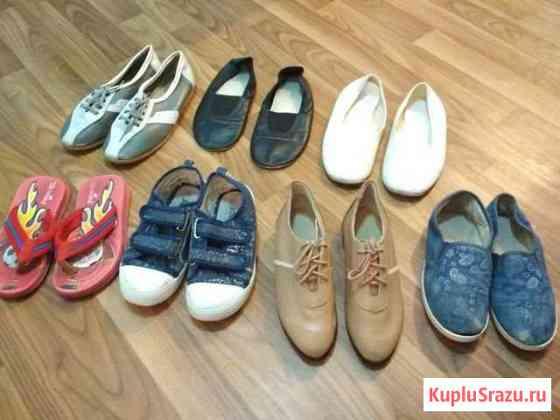 Обувь 8 пар: кеды, ботинки, чешки, шлепки30-34 раз Москва