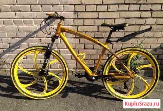 Велосипед BMW золотой на литых дисках Сыктывкар