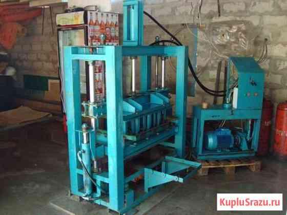 Гидравлический вибропресс для производства блоков Лог