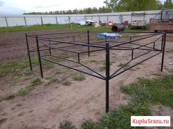 Оградки на кладбище Порхов