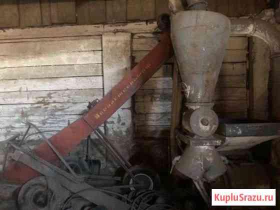 Кормодробилка с транспортером Ирбейское