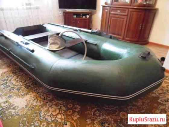 Моторная лодка Шумиха