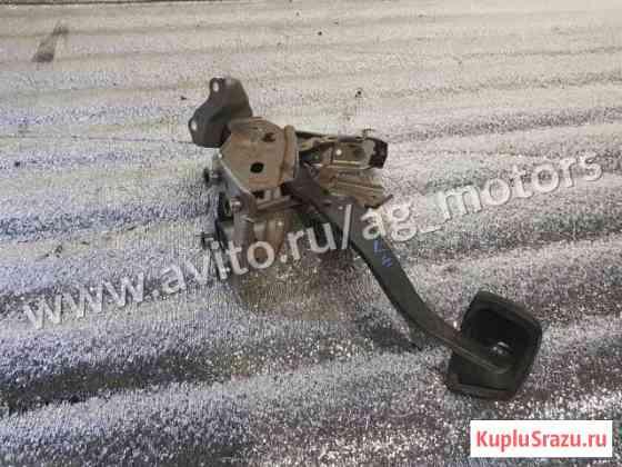 Педаль тормоза Toyota Camry v 40 v40 acv40 АКПП Железнодорожный