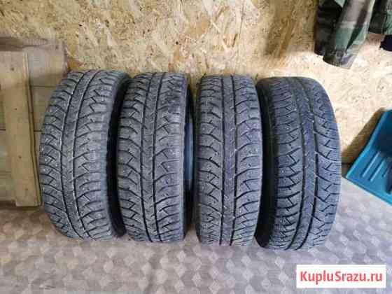 Резина Bridgestone 215/65/16 Стрежевой