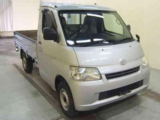 Грузовик бортовой Toyota Town Ace Truck кузов S412U модификация DX гв 2013 полный привод 4WD Москва