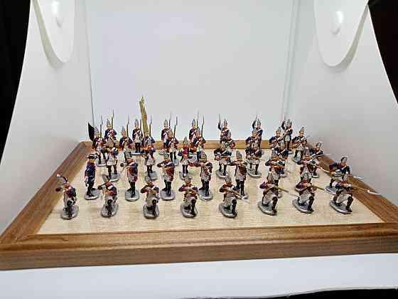Коллекционный набор солдатиков, на полковой подставке Санкт-Петербург