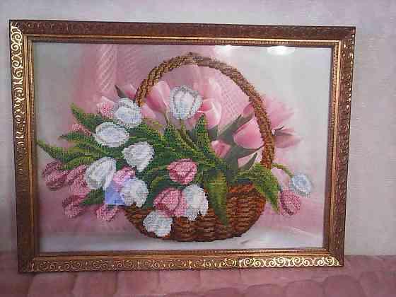 """Картина вышитая бисером """"тюльпаны в корзине"""" Валуйки"""