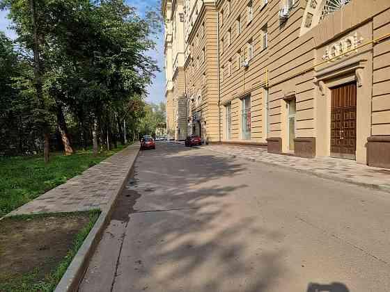 5-комнатная квартира, 300 м², 1/14 эт. Москва